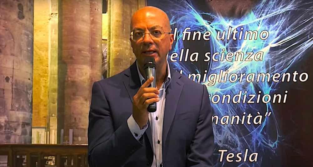 Francesco Oliviero intervistato allo Spazio Tesla
